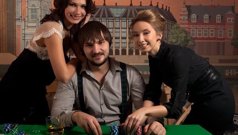 Προωθητική προβολή παιχνιδιών καζίνο στην bet365 Poker