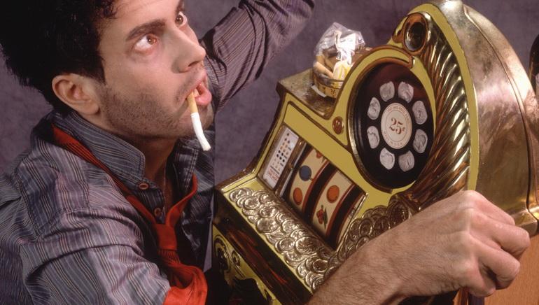 Το Avalon II ετοιμάζεται για το Dazzle Players στο Golden Riviera και στο Crazy Vegas