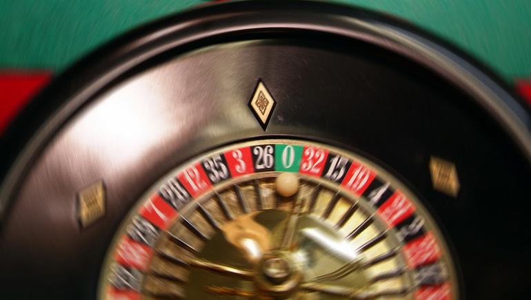 Ζήστε την εμπειρία των Live Dealers στο Royal Vegas Casino
